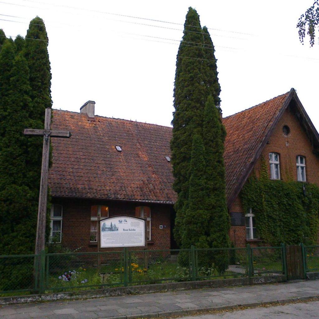 Budynek szkolny wNowej Kaletce