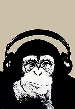 małpa_na_nasłuchu