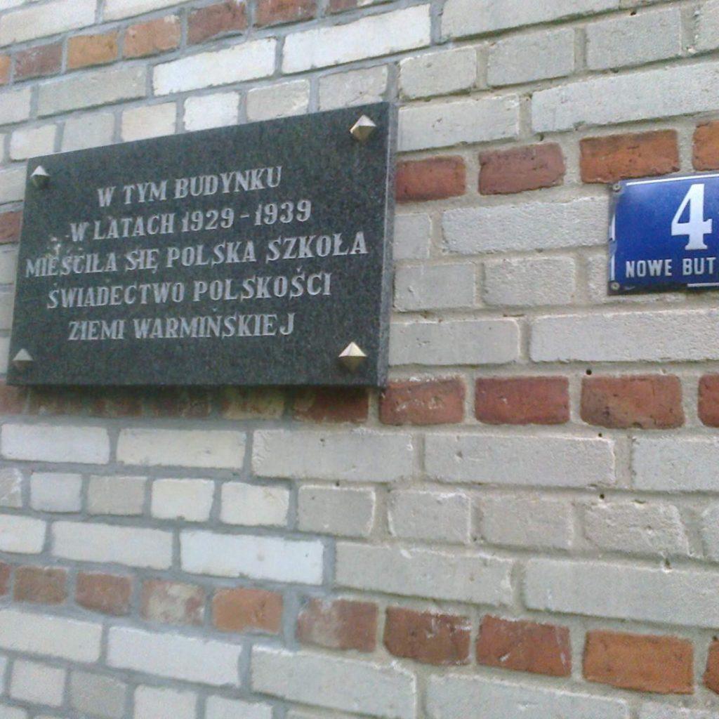Tablica nadawnej polskiej szkole wChaberkowie