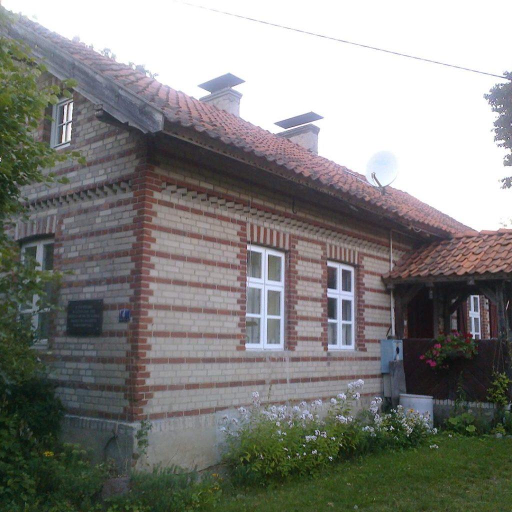 Budynek szkoły polskiej wChaberkowie