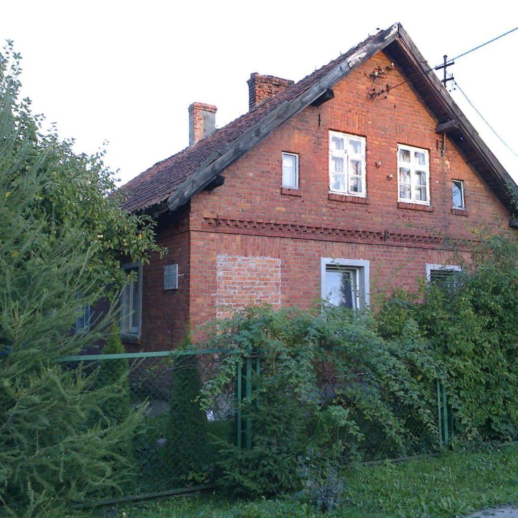 Budynek dawnego polskiego przedszkola wSkajbotach