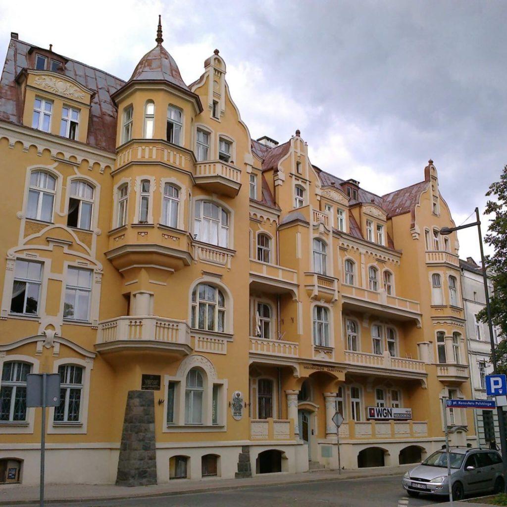 Olsztyńska kamienica, wktórej, wlatach międzywojennych, mieścił się Konsulat RP