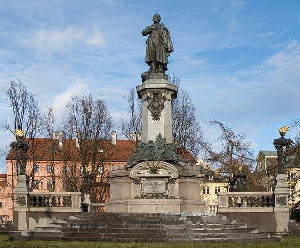 Pomnik Adama Mickiewicza wWarszawie