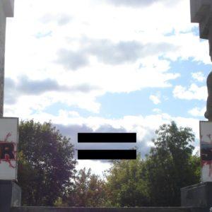 Szubienice w Olsztynie - nazizm=komunizm